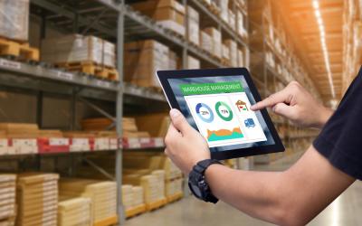 Como o controle de estoque auxilia no processo de compra?
